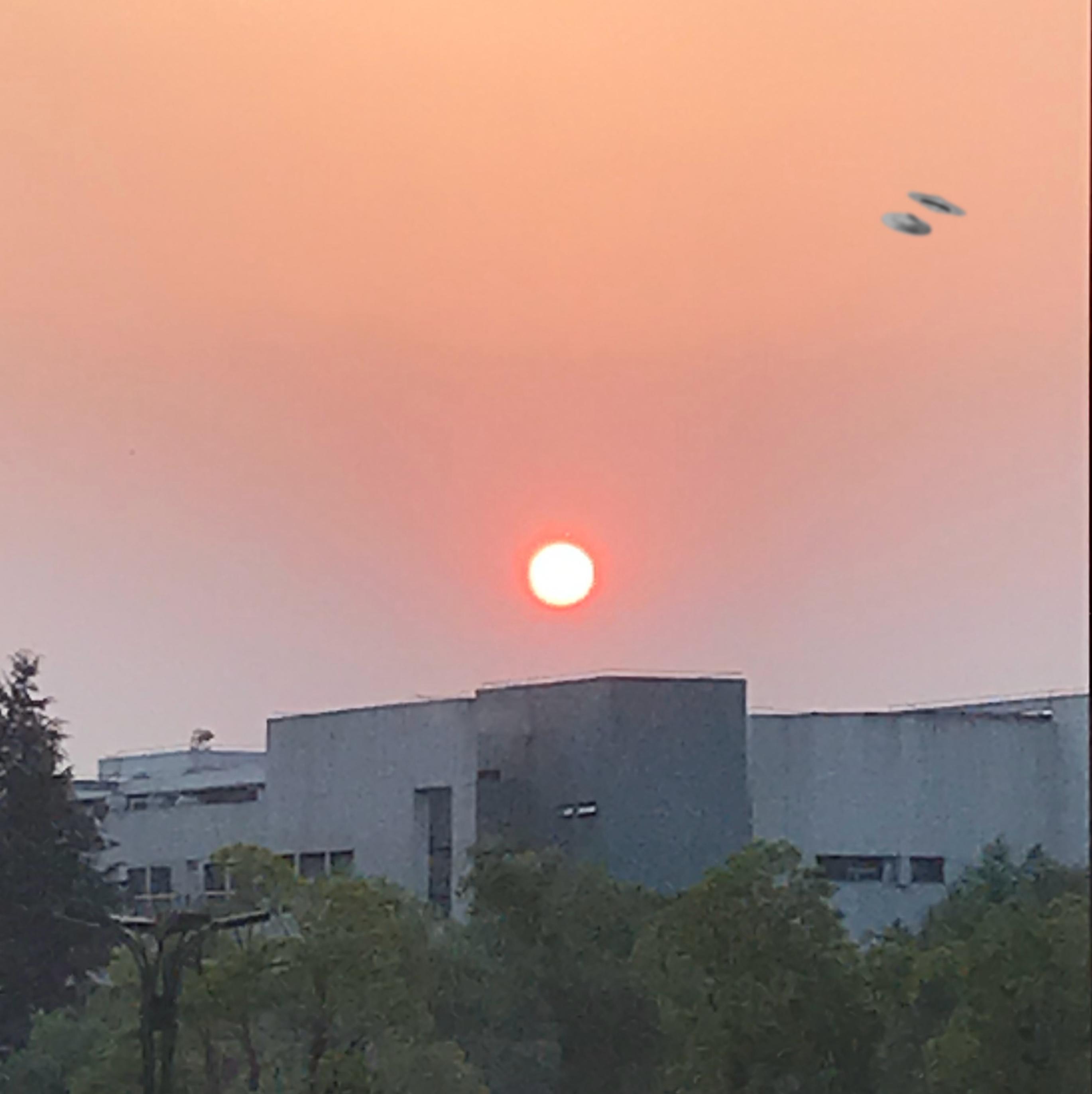 全国人民都震惊了,惊现UFO事件