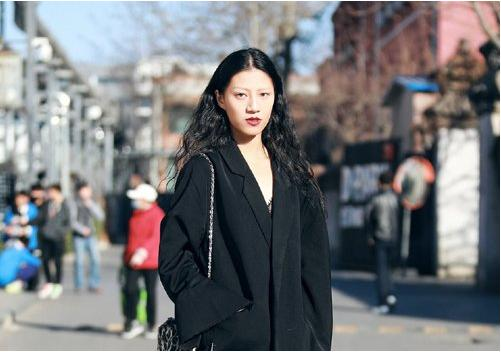 黑色长发就是超级耐看型,无论烫卷还是拉直,20+淑女大爱发型