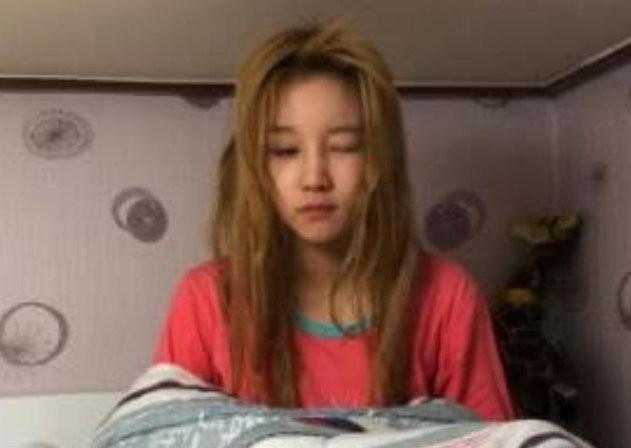 宋雨琦为何总是浓妆?看到她刚起床的样子,网友:瞬间明白了